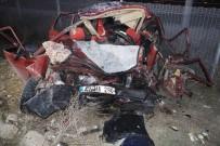ŞERİT İHLALİ - 4 Kişilik Aile Kazada Yok Oldu