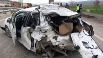 HÜSEYIN YıLMAZ - Afyonkarahisar'da Tır Otomobile Çarptı Açıklaması 1 Ölü