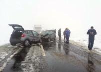 Aksaray'da İki Otomobil Çarpıştı Açıklaması 1 Ölü, 6 Yaralı