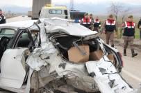 HÜSEYIN YıLMAZ - Askeri kamyon otomobile arkadan çarptı: 1 ölü
