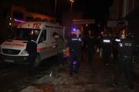 SAĞLIK EKİBİ - Beyoğlu'nda Pidecide Oturan Müşterilere Silahlı Saldırı Açıklaması 3 Yaralı