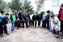 HÜRRİYET MAHALLESİ - Bin Yıllık 'Aşık Oyunu' Bağcılar'da Hayat Buldu