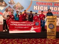 GÜMÜŞ MADALYA - Büyükşehir Belediyesi Kick Boks Takımı 10 Madalya Kazandı