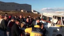 GÜNCELLEME - Bursa'da Servis Aracı Otomobille Çarpıştı