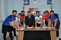 Karacabey Birlikspor'dan İmza Şov
