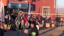 BOKSÖR - Mobil Gençlik Merkezi İdil'de Çocukların Yüzünü Güldürdü