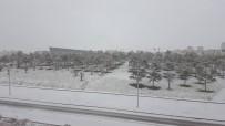 METEOROLOJI GENEL MÜDÜRLÜĞÜ - Nevşehir Güne Kar Yağışı İle Uyandı