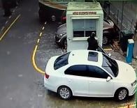 YAĞCıLAR - Otopark Ücretini Kapalı Kulübeye Bıraktı