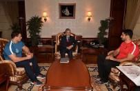 GÜREŞ TAKIMI - Rıza Ve Taha'dan Mustafa Tuna'ya Ziyaret