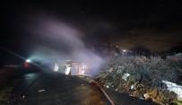 YOZGAT - Sultangazi'de Odunlukta Çıkan Yangında Kümes Hayvanları Telef Oldu