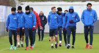 BURAK YıLMAZ - Trabzonspor, Süper Ligde Oynayacağı  Atiker Konyaspor Maçı Hazırlıklarını Başladı