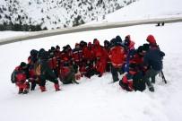 SAĞLıK BAKANLıĞı - UMKE Ekipleri Zigana Dağı'nda Eğitim Ve Tatbikat Kampında