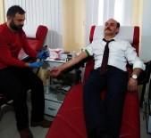 KEMAL YURTNAÇ - Vali Kemal Yurtnaç Kan Bağışında Bulundu