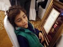 MÜNIR KARALOĞLU - 16 Şehit Yakını Ve 2 Gaziye Devlet Övünç Madalyası Ve Beratı Verildi