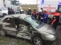 Aksaray'da Ambulans İle Otomobil Çarpıştı Açıklaması 5 Yaralı
