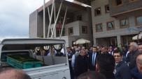 ABDULLAH UÇGUN - Alaşehir'de Zekiye Hemşire Son Yolculuğuna Uğurlandı