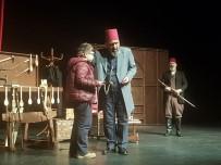 Bartın'da 'Usta' Adlı Tiyatro Oyunu Sergilendi