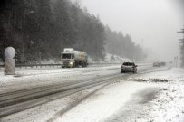 KIŞ LASTİĞİ - Bolu Dağı'nda Yoğun Kar
