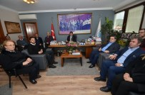 GENÇLİK KOLLARI - CHP Foça Yönetiminden Başkan Demirağ'a Ziyaret