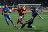 SERKAN TOKAT - Galatasaray İlk Yarıyı Önde Kapattı