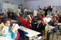 TÜRKÇE ÖĞRETMENI - GAÜN Öğrencilerinden Yazıkent Mürşide Akçay Ortaokulu'na Kütüphane