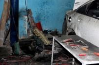 SAĞLIK EKİPLERİ - Hatay'da Sanayi Sitesinde Patlama Açıklaması 1 Yaralı