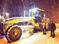 KAR KÜREME ARACI - Hizan'da Kar Yağışı