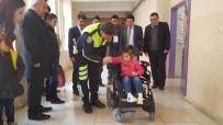 AKÜLÜ SANDALYE - İdilli Minik Öğrenciye Akülü Sandalye Hediye Edildi