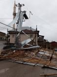ŞİDDETLİ RÜZGAR - Konya'da Şiddetli Rüzgar Çatıları Uçurdu