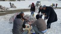 SABAH KAHVALTISI - Malazgirt'e Kömür Dağıtımı Devam Ediyor