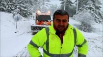 SAĞNAK YAĞMUR - Manisa'da Kar Yağışı