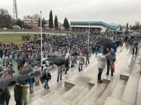 TOFAŞ - Metal İşçilerinden Yağmur Altında Eylem