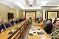 GAZİ YAKINLARI - Şehit Yakını Ve 15 Temmuz Gazilerine Övünç Madalyası Verildi