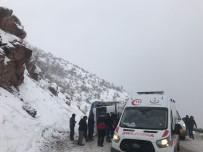 Şemdinli'de Trafik Kazası Açıklaması 2 Yaralı