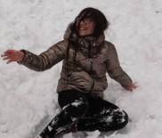 PAŞABAHÇE - Sivas'ta Çocukların Kar Keyfi