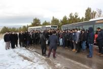 Sivas'ta Öğrenci Ve Öğretmenler Kar Duasına Çıktı