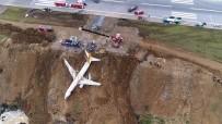 BAĞLAMA - Trabzon'da Pistten Çıkan Uçağın Bulunduğu Yerden Vinçlerle Kaldırılmasına Başlandı