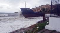 DEMIRLI - Yük Gemisi Fırtına Nedeniyle Karaya Oturdu