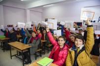 YUSUF TEKİN - 18 Milyon Öğrenci, Karnelerini Alarak Yarıyıl Tatiline Çıktı