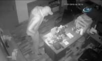 ŞAHMERAN - Araba Hırsızları Güvenlik Kamerasına Yakalandı