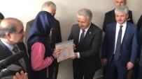 SELAHATTIN BEYRIBEY - Bakan Arslan Kağızmanlı Öğrencilere Karne Dağıttı
