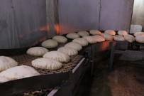 ÇATIŞMA - Ekmek Fabrikaları Savaştan Kaçanlar İçin Çalışıyor
