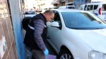 EMEKLİ POLİS - Emekli Polisin Otomobilinden Hırsızlık
