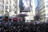AGOS GAZETESI - Hrant Dink Agos Gazetesi Önünde Anıldı