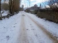 YAĞAN - Iğdır'ın Yüksek Kesimlerine Kar Yağdı
