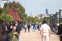 YEŞILDAĞ - Mersin'de Yazdan Kalma Bir Gün Yaşanıyor