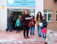 YıLMAZ ŞIMŞEK - Niğde'de Öğrenciler Tatil Olmasına Rağmen Okullara Giderek Karne Aldı