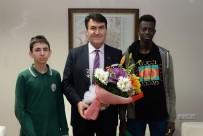 MEHMET TÜRKMEN - Osmangazi'de Kıtalar Arası Karne Heyecanı