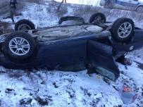 HÜSEYİN ÇETİN - Otomobil Takla Attı Açıklaması 4 Yaralı