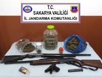 KURUSIKI TABANCA - Sakarya'da Jandarmadan Beş Ayrı Adrese Operasyon Açıklaması 4 Gözaltı